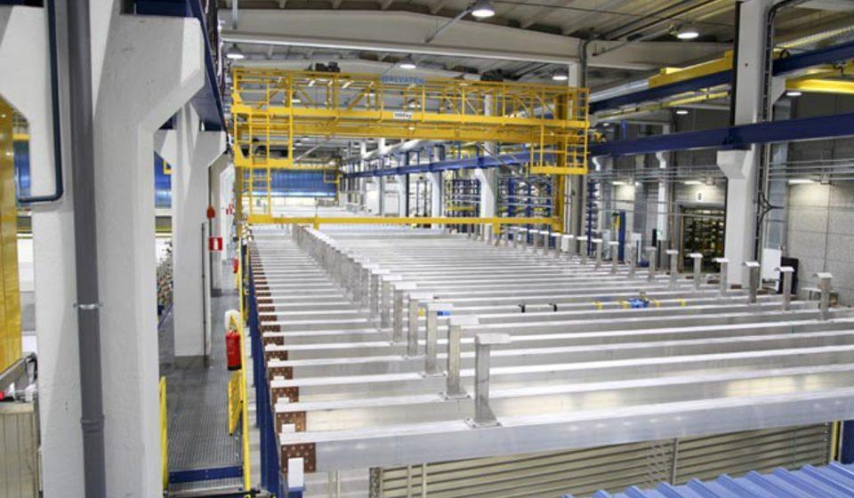 Automated aluminum anodizing anodizing plant for extruded aluminium profiles