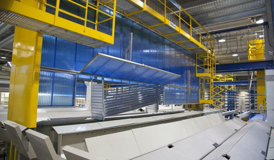 Automated aluminum anodising plant for extruded aluminium profiles